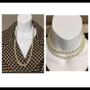 WHITE CUSTOM PEARLS NECKLACE